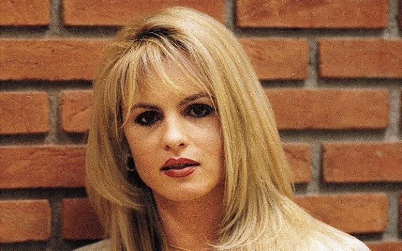 Carola Scarpa, ex-mulher de Chiquinho Scarpa, em São Paulo (13/04/2000)