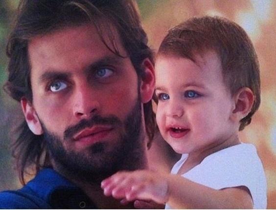 Henri Castelli posta foto com o filho Lucas ainda bebê (17/3/11)