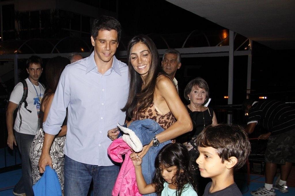 Ao lado da mulher, Andréa Santa Rosa, e dos filhos Pedro e Nina, o ator Márcio Garcia vai à première mundial da animação
