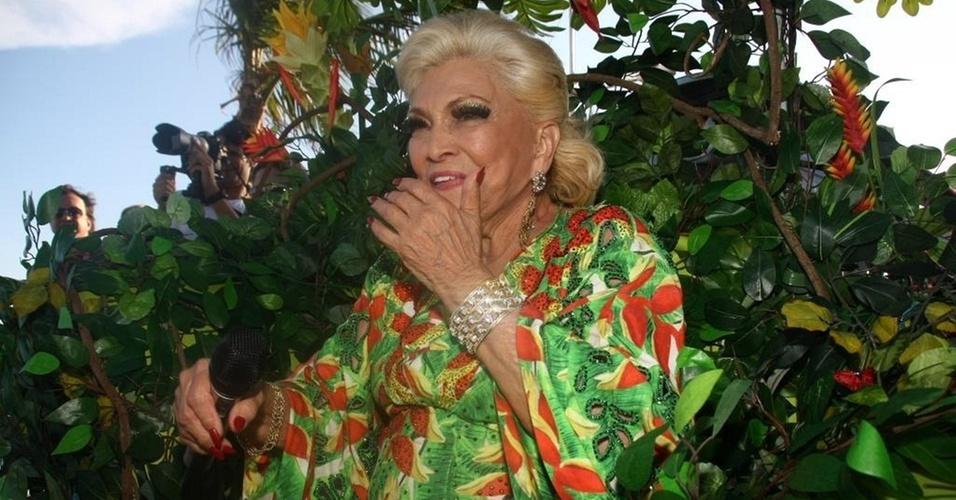 Hebe comemora seu aniversário no trio de Claudia Leitte, em Salvador (8/3/2011)