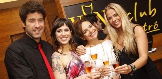 Da esquerda para a direita, Daniel Del Sarto, Mel Lisboa, Luiza Tomé e Adriane Galisteu na estreia da peça