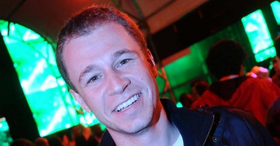 Tiago Leifert vai a evento de música em São Paulo (6/11/2010)