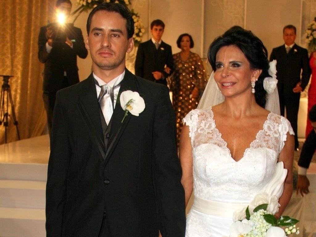 Sílvio Alves e Gretchen no dia do seu casamento, em Goiânia (15/12/2010)