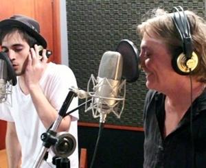 Fiuk e Fábio Jr. nos bastidores da gravação de uma campanha publicitária (abril/2011)