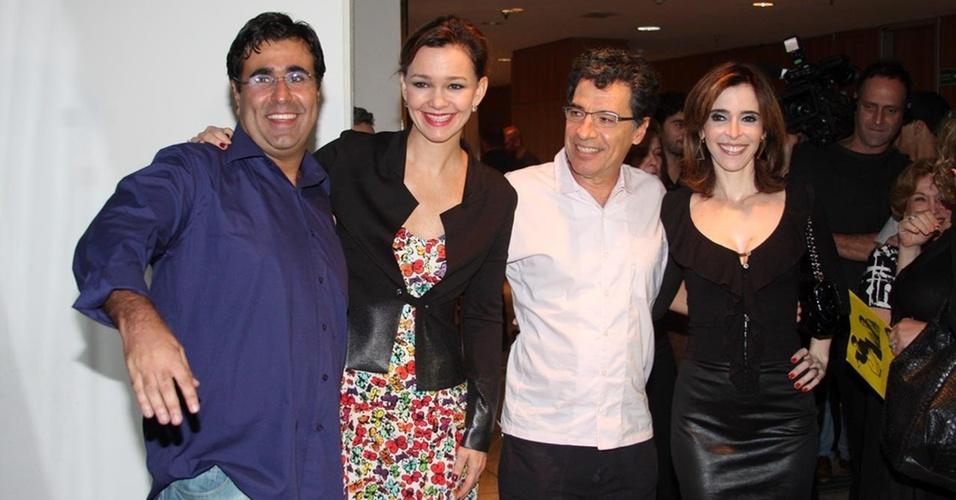 Da esquerda para a direita, os atores Orã Figueiredo, Júlia Lemmertz, Paulo Betti e Deborah Evelyn na pré-estreia da peça