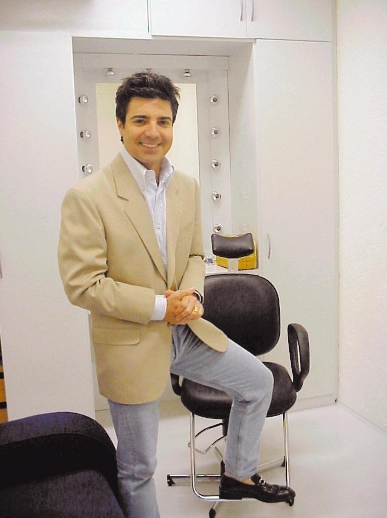 O apresentador João Kléber (2004)