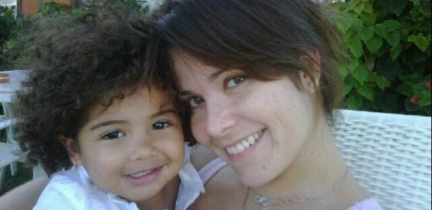 No Twitter, Samara Felippo posta foto da filha Alícia (8/5/2011)