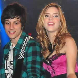 """Chay Suede e Sophia Abrahão em cena de """"Rebelde"""" (6/6/11)"""