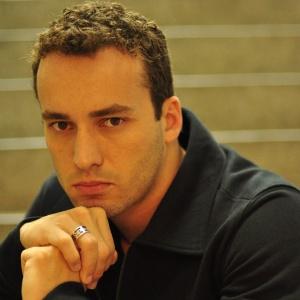 Rodrigo Andrade é o Eduardo de Insensato Coração (junho/2011)