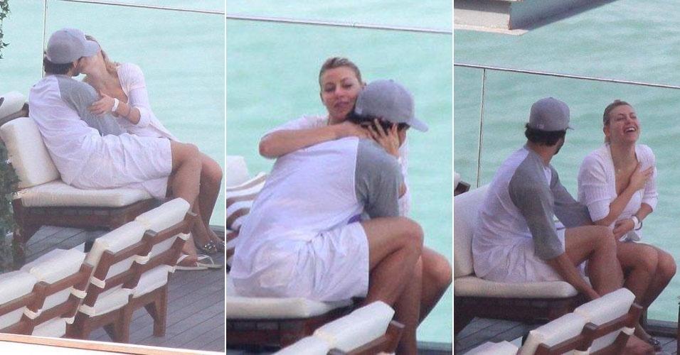 Alexandre Pato e Barbara Berlusconi namoram à beira da piscina (13/6/11)