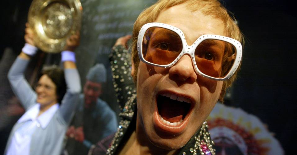 Figura de cera do cantor Elton John no museu Madame Tussauds de Nova York (10/4/2002)