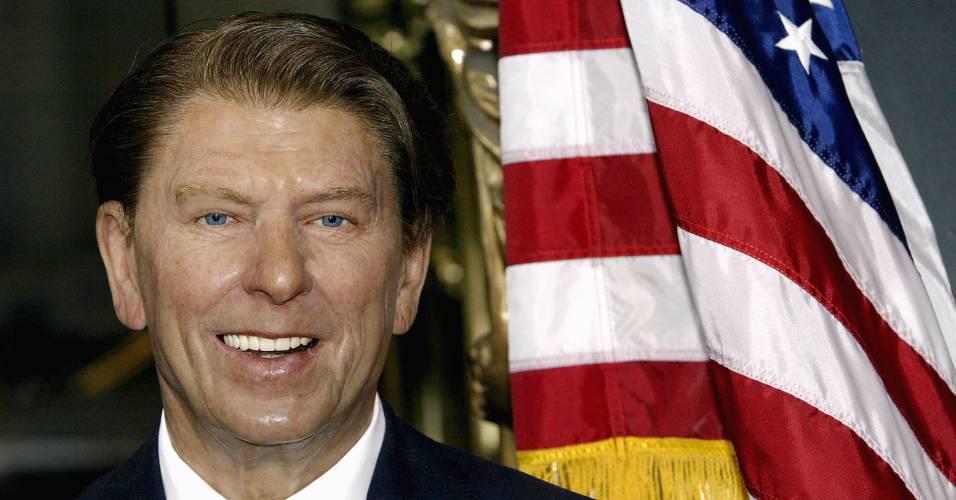 Figura de cera do ex-presidente norte-americano Ronald Reagan no museu Madame Tussauds em Nova York (11/6/2004)