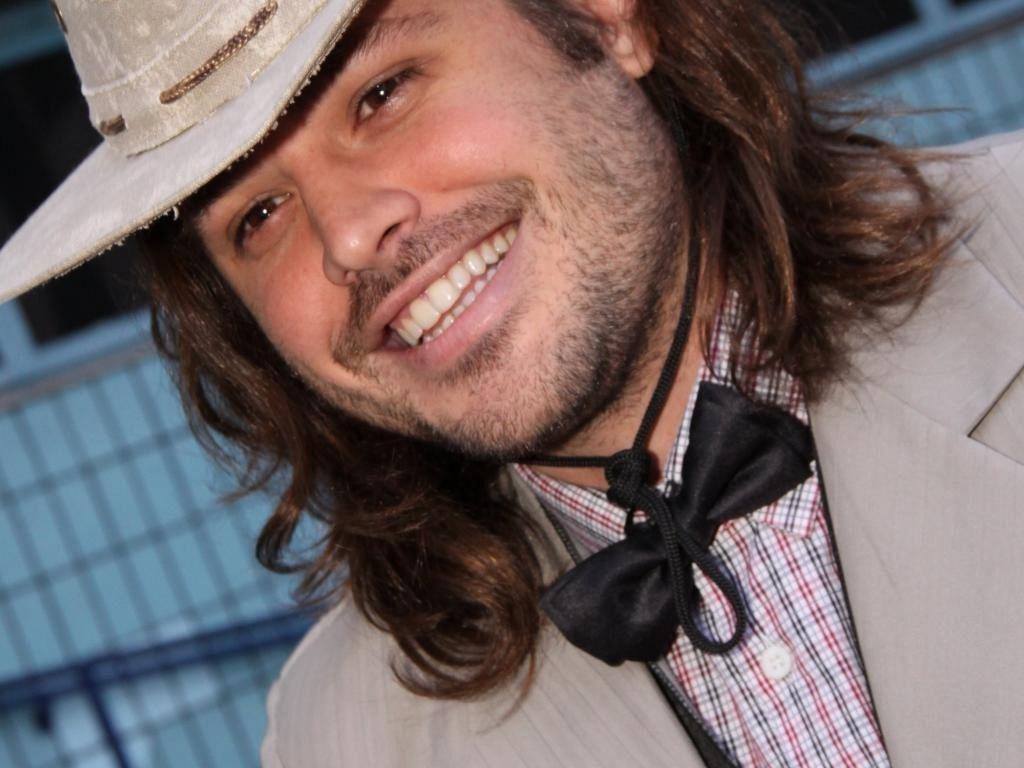 Dado Dolabella vai à festa junina no Rio (2/7/2011)
