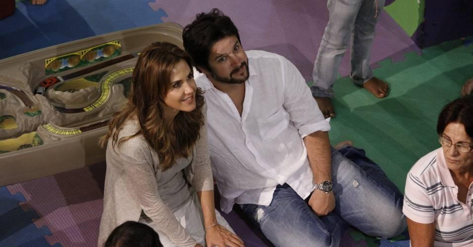 Guilhermina Guinle e Murilo Benício no aniversário do filho do ator com Giovanna Antonelli, Pietro, em um shopping do Rio de Janeiro (25/5/2011)