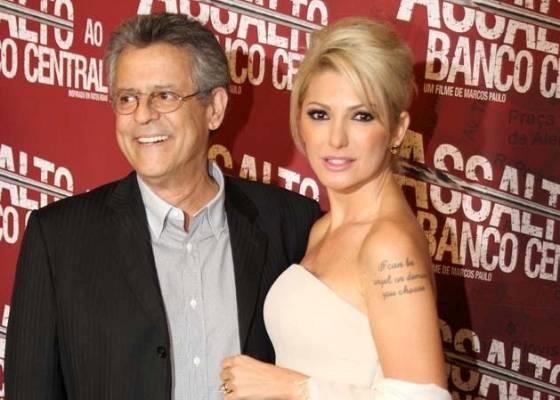 """Marcos Paulo e Antonia Fontenelle vão à pré-estreia do filme """"Assalto ao Banco Central"""" (20/7/11)"""