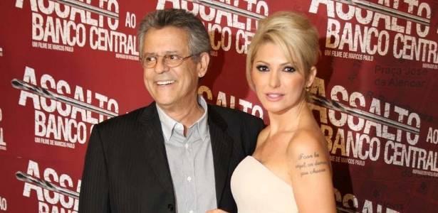 Após internação, Marcos Paulo e Antonia Fontenelle vai à pré-estreia do filme