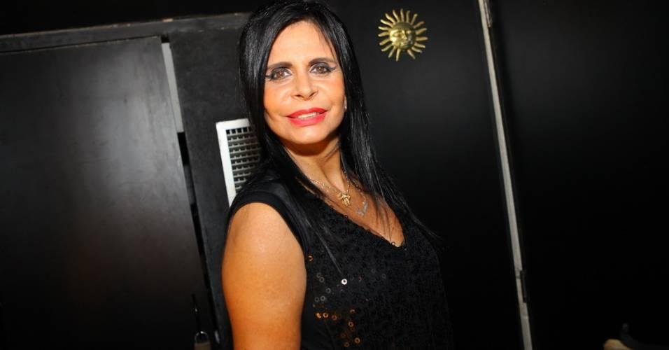 Gretchen usa cabelo e maquiagem inspirados em Amy Winehouse em pocket show no Rio (27/7/2011)
