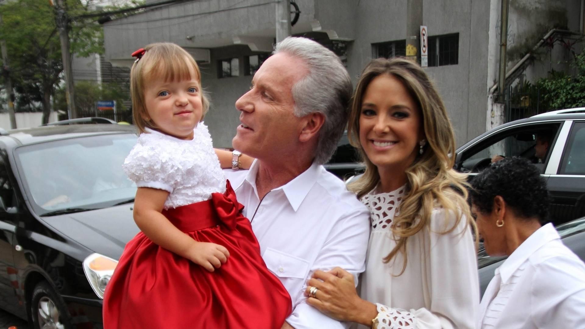 Roberto Justus e Ticiane Pinheiro comemoram o aniversário de 2 anos da filha (31/7/11)