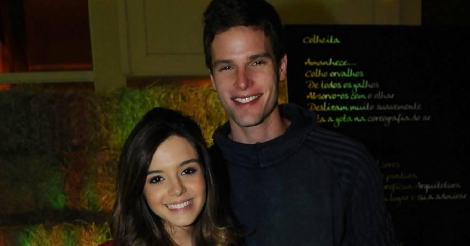 Giovanna Lancellotti e Jonatas Faro participam de festa em São Paulo (7/8/11)