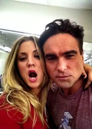 """Leonard de """"Big Bang Theory"""" diz que a ex Kaley Cuoco é parte de sua vida"""