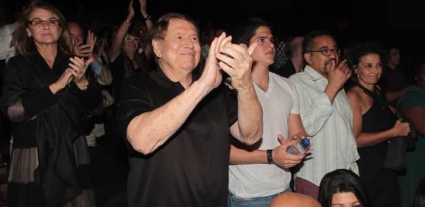 """Boni vai à estreia do espetáculo """"Samba Suor Brasileiro"""" no Rio de Janeiro (29/8/11)"""