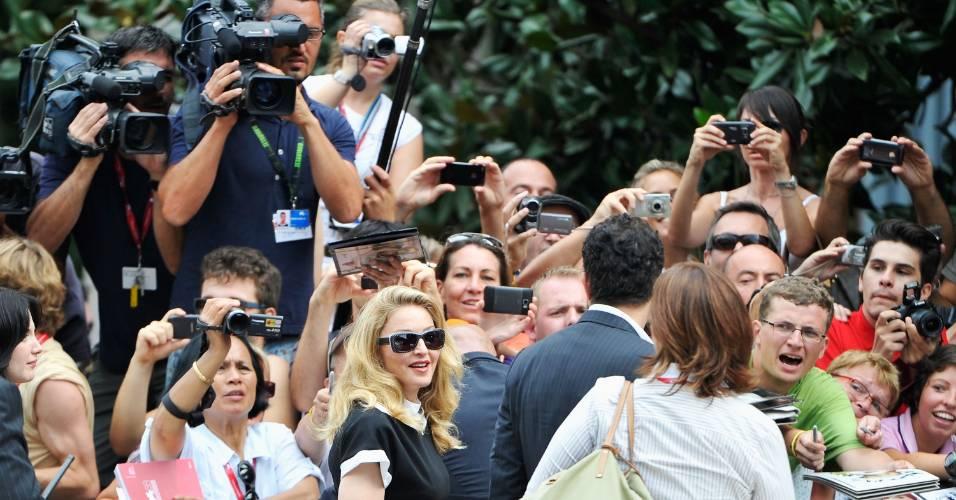 Madonna chega para coletiva de imprensa sobre seu filme