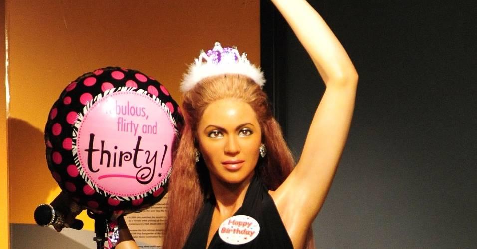 Cantora Beyoncé ganha uma estátua de cera no museu Madame Tussauds em Nova York (03/9/2011)