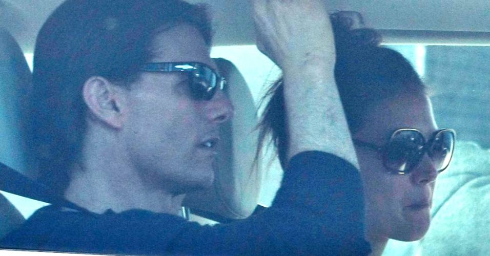 Tom Cruise e Katie Holmes é fotografado ao sair de um estúdio de dança em Los Angeles (5/9/11)