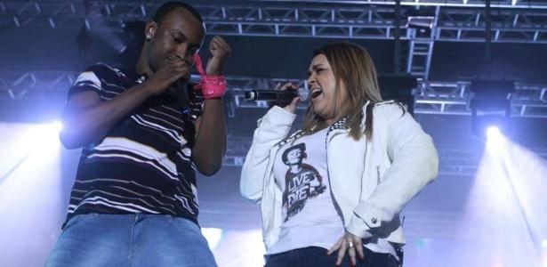 Thiaguinho e Preta Gil cantam juntos em show do Exaltasamba, no Rio de Janeiro (11/09/2011)