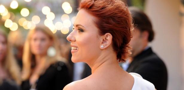 Scarlett Johansson no tapete vermelho do 5º Guys Choice Awards em Culver City, Califórnia (4/6/2011)