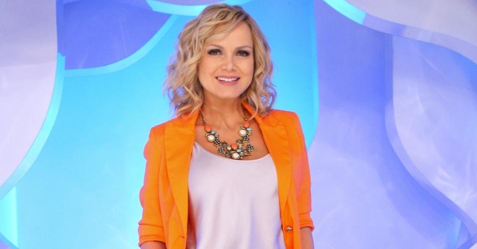 Eliana posa no palco de seu programa, no SBT (setembro/2011)