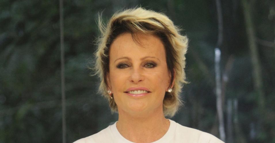 Ana Maria Braga inicia doações para o