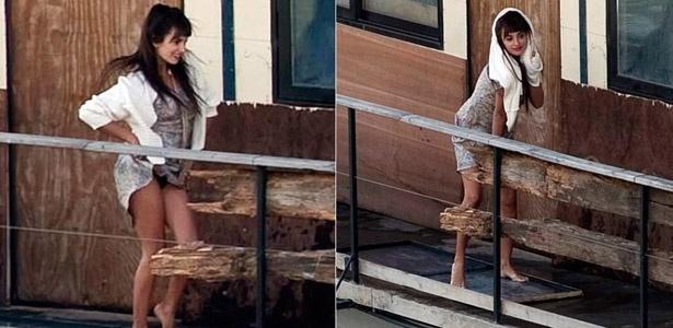 Penélope Cruz deixa calcinha à mostra em filmagens de Venuto al Mondo, em Roma