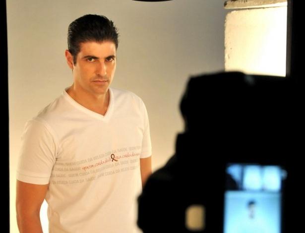 Reynaldo Gianecchini posa para o Calendário Cabeleireiros Contra Aids 2012 (agosto/setembro 2011)