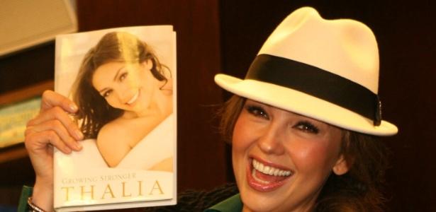 Thalia aposta na carreira de escritora e lança livro em Nova York (1/11/11)