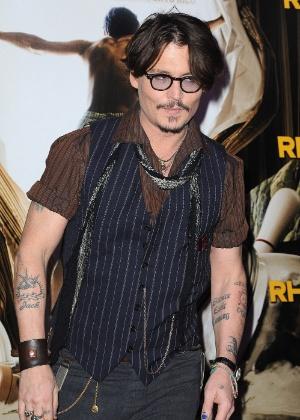 """Johnny Depp na estreia do seu novo filme """"The Rum Diary"""" em Paris (8/11/11)"""