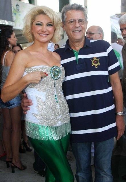 Antônia Fontenelle e Marcos Paulo vão à quadra da escola de samba Mocidade, no Rio (13/11/11)