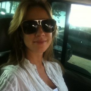 Luana Piovani posta foto no Twitter (21/11/11)