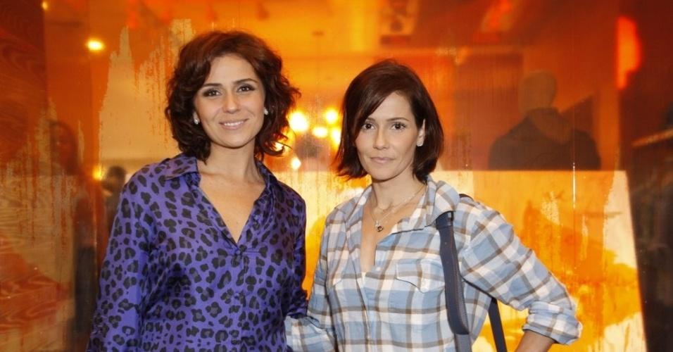 Giovanna Antonelli e Deborah Secco em abertura de loja no Rio de Janeiro (01/12/2011)