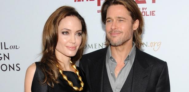 """Angelina Jolie e Brad Pitt na pré-estreia do primeiro filme dirigido pela atriz, """"In The Land of Blood and Honey"""", em Nova York (5/11/11)"""