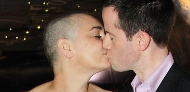 "Site do ""Daily Mail"" publica foto do quarto casamento de Sinead O'Connor (8/12/11)"
