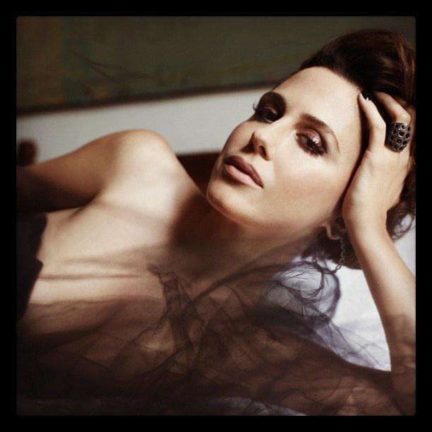 Guilhermina Guinle posta foto 'topless' no Twitter