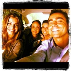 Ricardo Pereira, Grazi Massafera e Giovanna Antonelli gravam cenas dentro de carro (15/12/2011)