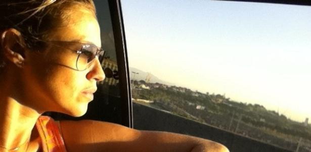 Luana Piovani posta foto no Twitter (20/12/11)