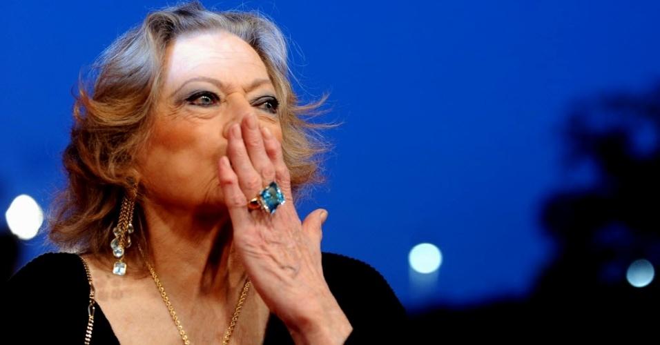 """A atriz sueca Anita Ekberg participa da première da versão remasterizada de """"La Dolce Vita"""" no Festival de Cinema de Roma (30/10/2010)"""