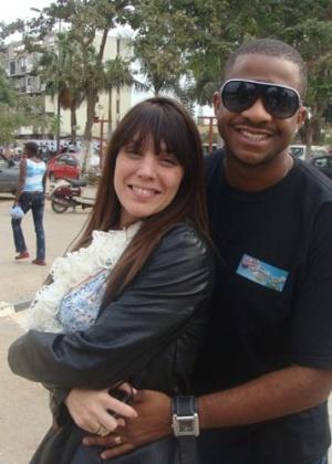 Simony e o marido, Marcelo Batista (28/12/2011)