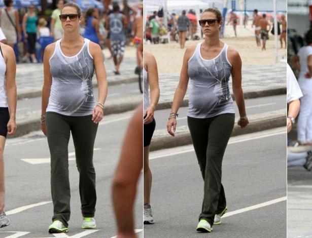 Grávida, Luana Piovani caminha na orla da zona sul carioca (8/1/2012)