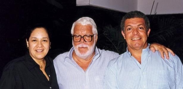 Manoel Carlos ao lado da mulher Bety e do filho mais velho, Manoel Carlos Jr (2005) - Arquivo Pessoal
