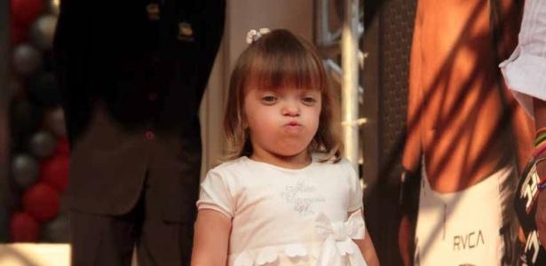 Rafaella Justus comparece ao aniversário de João Guilherme, filho de Fausto Silva (3/2/2012)