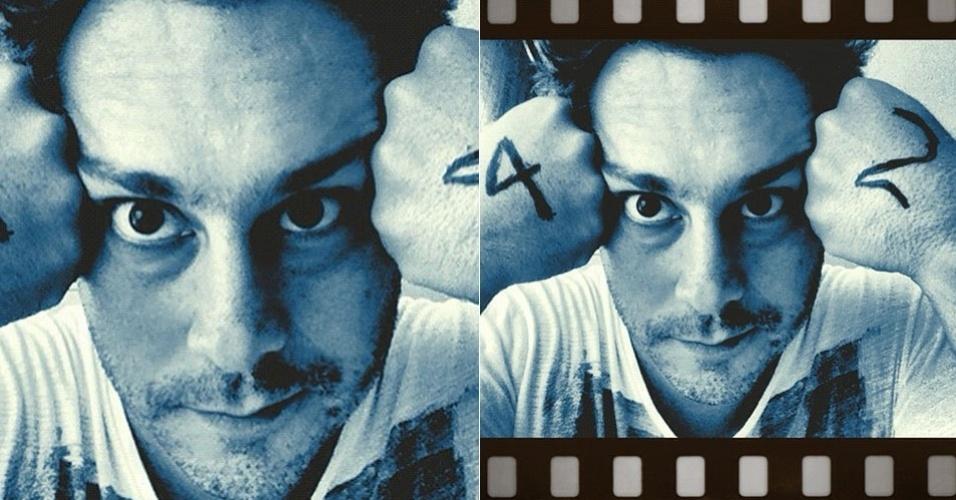 No Twitter, Alexandre Nero posta foto para comemorar seus 42 anos (13/2/12)